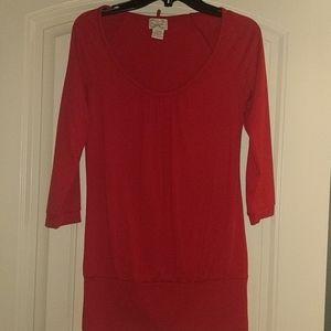 Red 3/4 sleeve shirt
